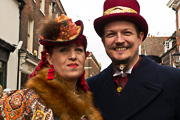 image of members of the Great Kentspectations steampunk group at the Dickensian Christmas 2017, linking to a larger image