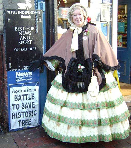 Image of Sue Haydock promoting the website set up to save Rochester's magnificent catalpa tree